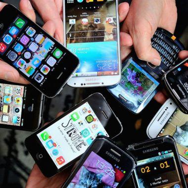 """Curso prático para jovens da 3ª idade: """"Como usar seu celular e smartphone"""" - 10 horas"""